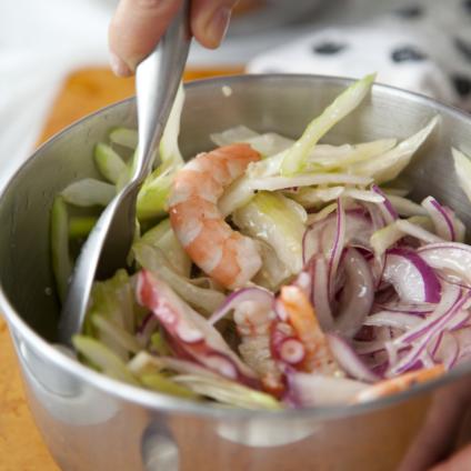 フードスタイリスト津幡ともこの作品-Cooking Marinaded Seafood with Quinoa